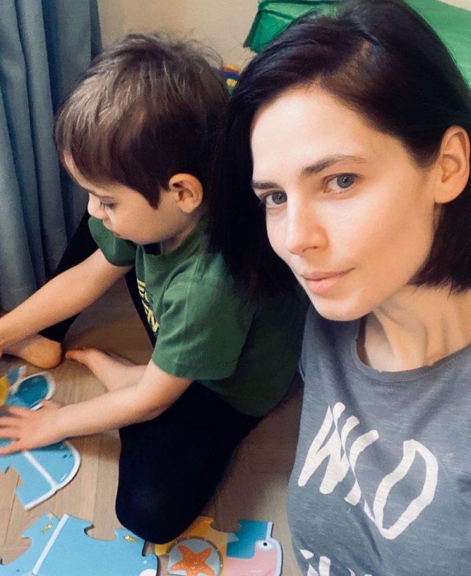 Юлия Снигирь с Фёдором - сыном Евгения Цыганова