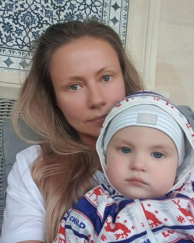 Мария Миронова с маленьким сыном